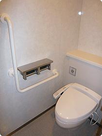 個室(大便器ブース) / 男子トイレ
