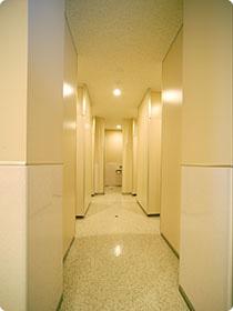 通路 / 女子トイレ